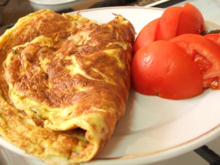 omleta-cu-sunca-si-branza-2585